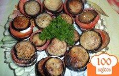 Фото рецепта: «Закуска из баклажанов с колбасой и помидором»