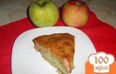 Фото рецепта: «Шарлотка с яблоками без миксера»