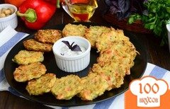 Фото рецепта: «Кабачковые оладьи с болгарским перцем»