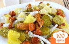 Фото рецепта: «Простой салат с грибами»