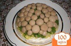 """Фото рецепта: «Салат """"Лукошко с грибами""""»"""