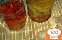 Фото рецепта: «Компот яблочный с алычой и имбирем»