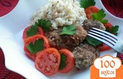 Фото рецепта: «Котлеты с кабачками, помидорами и рисом»