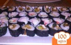Фото рецепта: «Суши с огурцом и крабовыми палочками»