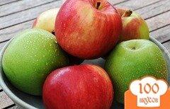 Фото рецепта: «Шарлотка с яблоками без муки»