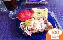 Фото рецепта: «Яичница с грудинкой и сосисками»