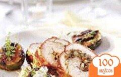 Фото рецепта: «Жареная индейка в мантии из бекона»