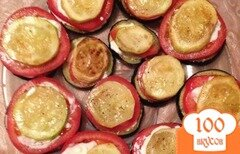 Фото рецепта: «Пирамидки из кабачков и баклажан с помидором»