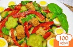 Фото рецепта: «Салат из семги, огурца и болгарского перца»