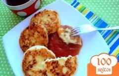 Фото рецепта: «Сырники с кокосовой стружкой»