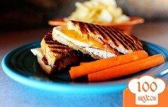 Фото рецепта: «Горячий бутерброд с сыром»