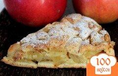 Фото рецепта: «Шарлотка с яблоком и корицей»