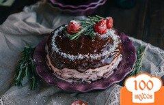 Фото рецепта: «Шоколадный торт с клубничным кремом и ганашем»