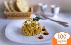Фото рецепта: «Салат с курицей и грибами в паутинке»