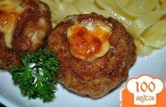 Фото рецепта: «Сочные котлеты с сыром в духовке»
