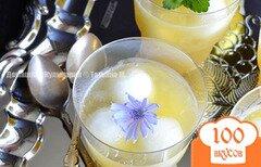 Фото рецепта: «Десерт для взрослых – дынное желе с алкоголем»