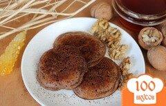 Фото рецепта: «Оладьи с какао и грецким орехом»