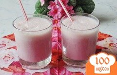 Фото рецепта: «Молочный коктейль с малиновым вареньем»