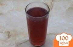 Фото рецепта: «Яблочный компот с вишнями и медом»