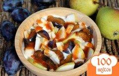Фото рецепта: «Домашний йогурт с фруктами и абрикосовым сиропом»