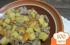 Фото рецепта: «Тушеная картошка с фаршем»