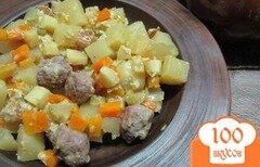 Фото рецепта: «Фрикадельки с овощами в горшочках»