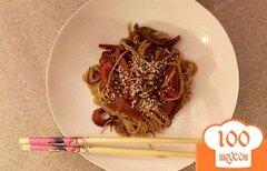 Фото рецепта: «Пшеничная лапша с овощами и соевым соусом»