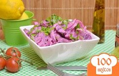 Фото рецепта: «Салат из маринованой свеклы и лука»