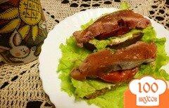 Фото рецепта: «Бутерброды с соленой кетой и вялеными томатами»
