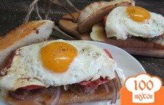 Фото рецепта: «Бутерброд с котлетой и яйцом»