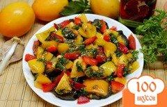 Фото рецепта: «Печеные баклажаны с помидорами и перцем, под чесночным соусом»