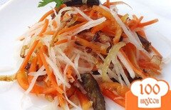 Фото рецепта: «Салат из баклажан, редьки и моркови»