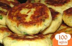 Фото рецепта: «Картофельные котлеты с зеленым горошком и укропом»