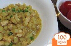 Фото рецепта: «Куриное филе с картофелем и горошком»