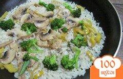 Фото рецепта: «Рис с брокколи и шампиньоном»