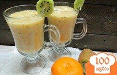 Фото рецепта: «Смузи из мандарина киви и банана»