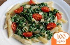 Фото рецепта: «Макароны со шпинатом и помидорами черри»