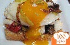 Фото рецепта: «Бутерброд с жаренными грибами и яйцом»