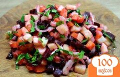 Фото рецепта: «Свекольный салат с маринованным луком и яблоком»