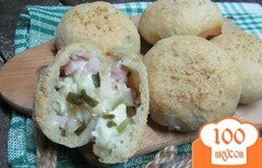 Фото рецепта: «Мини-булочки с беконом и сыром»