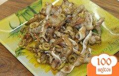 Фото рецепта: «Свиные ушки жаренные с оливками и французской горчицей к пиву»