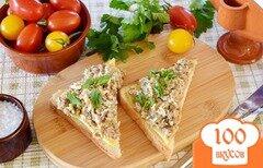 Фото рецепта: «Бутерброды с яйцом и консервой в масле»