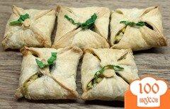 Фото рецепта: «Слоеные конверты с болгарской брынзой, яйцами и зеленью»
