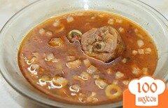 Фото рецепта: «Солянка с копченой курицей, колбасой, беконом и отварной свининой»