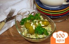 Фото рецепта: «Салат из копченой скумбрии и бочкового огурца»