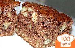 Фото рецепта: «Пирог шоколадный с яблоками и грецкими орехами»