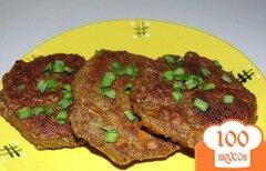 Фото рецепта: «Печеночные оладьи с манной крупой и овощами»