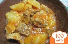 Фото рецепта: «Свинина с картофелем под свекольным соусом»