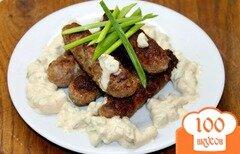 Фото рецепта: «Свиные мини колбаски с соусом»