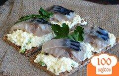 Фото рецепта: «Закуска со скумбрией и яичной пастой»